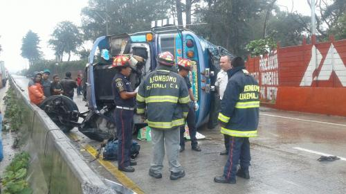 Dos muertos y diez heridos en accidente en ruta Interamericana