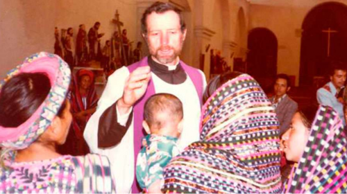 Beatifican a sacerdote que fue asesinado en Guatemala