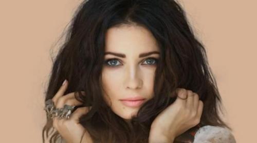 Detienen a cantante ucraniana por parecer demasiado joven