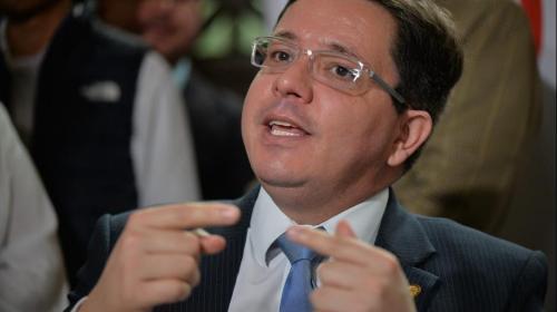 Ministro de Finanzas explica por qué renunció a su cargo