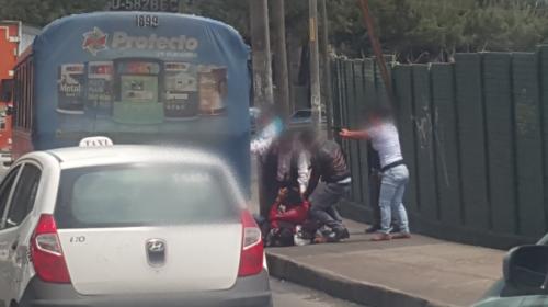 Policías encubiertos detienen a delincuentes en el Periférico