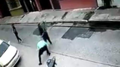Video: Inspector de la PNC resulta herido durante asalto en zona 1