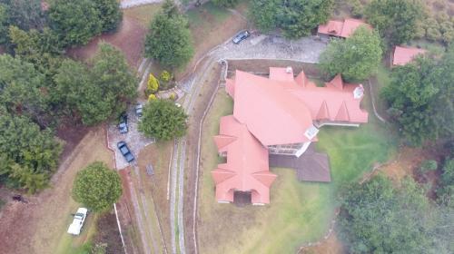 Iximché cabría en el terreno de la mansión de Baldetti en Tecpán