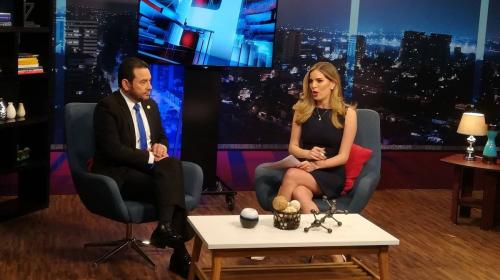 Jimmy Morales interrumpe entrevista televisiva y abandona el lugar
