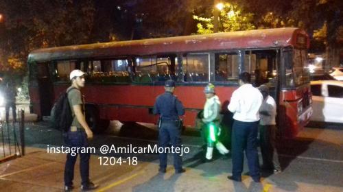 Varios heridos tras choque de bus con un paredón en la Avenida Reforma