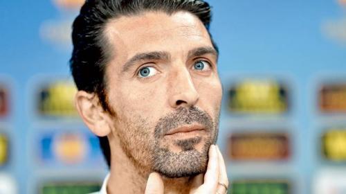 """Buffon cambia """"ligeramente"""" su versión sobre el penal para el Madrid"""