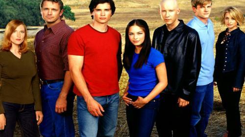 """Actriz de la serie """"Smallville"""" niega cargos de tráfico de mujeres"""