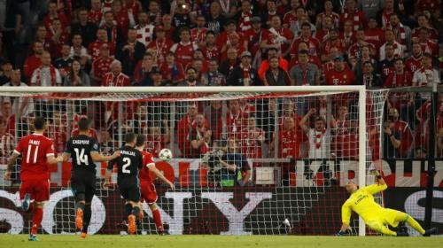 El Bayern Munich abre el marcador: ¿es un golazo o un error de Keylor?