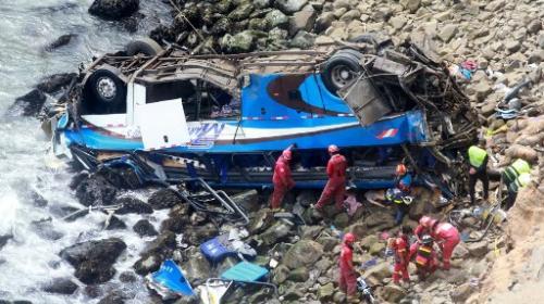 Sobrevivió al accidente de un bus en Perú gracias a su rápida reacción