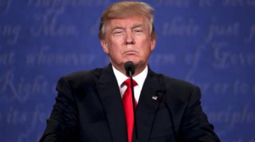 """Trump enfurece por libro que lo muestra como un """"niño malcriado"""""""