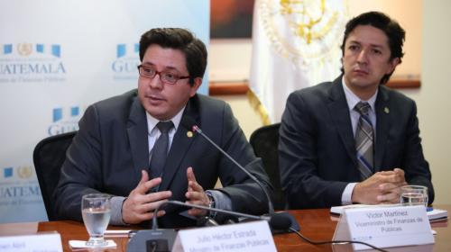 Salida del ministro de Finanzas depende de Jimmy Morales