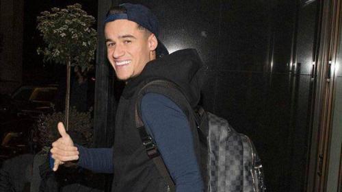 Coutinho llegó a Barcelona junto a su familia cargado de maletas