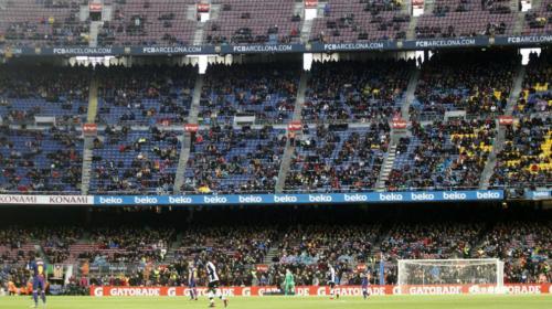 Alarmas en el Barça por la poca afluencia de aficionados al Camp Nou