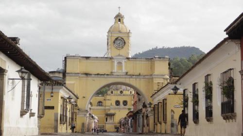 """Gobierno responde a recomendación de """"reconsiderar"""" viajar a Guatemala"""