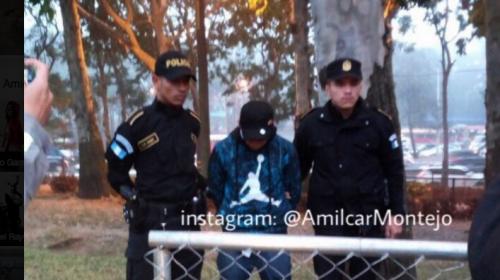 Pasajeros de bus persiguen y detienen a presunto ladrón en el Trébol