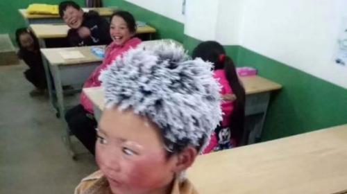 La conmovedora historia detrás de la foto de un niño congelado