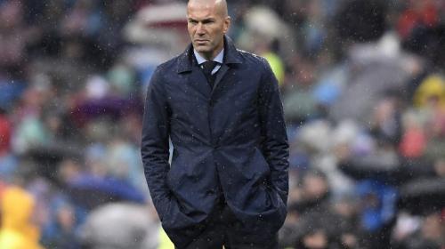Los números que ponen en riesgo a Zinedine Zidane a seguir en Madrid