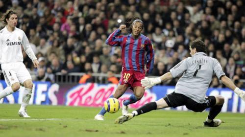 """La emotiva despedida de Iker Casillas a Ronaldinho: """"Me tocó sufrirte"""""""