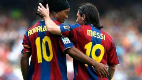 """Messi a Ronaldinho: """"El fútbol no se olvidará de tu sonrisa jamás"""""""