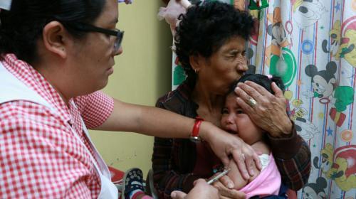 Ministro pide a la población que mantenga la calma ante el sarampión