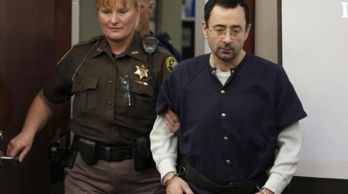 Condenan a Larry Nassar a 175 años de prisión por abusos sexuales