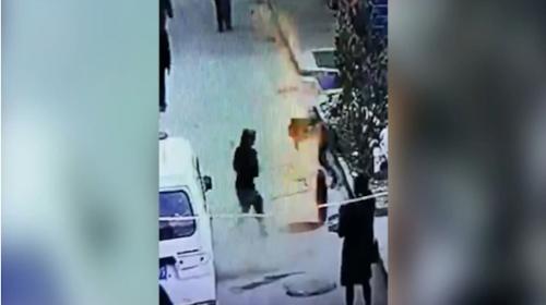 Un niño quema cohetes y provoca una explosión que lo deja herido