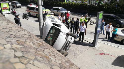 Peatón se salva de morir en accidente frente a la Municipalidad