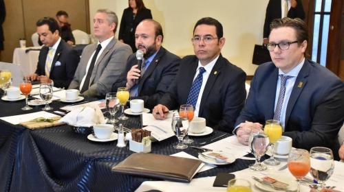 Jimmy Morales se reúne en privado con autoridades del Cacif