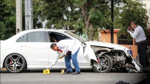 Video capta cómo asesinan a joven frente a varios curiosos en México