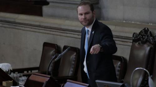 Álvaro Arzú vuelve a ser electo presidente del Congreso
