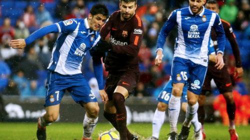 Piqué sufre una lesión de rodilla y es duda para el Barcelona