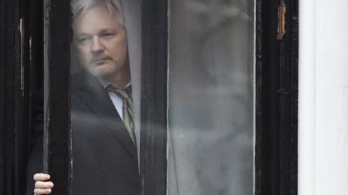 Confirman orden de captura contra el fundador de Wikileaks