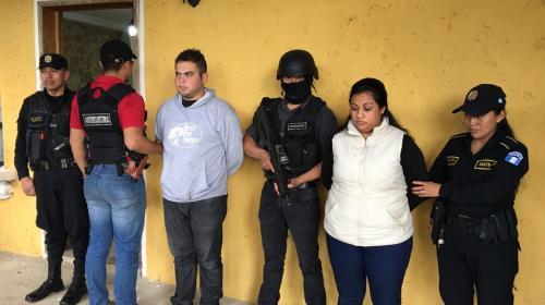 Identifican a los presuntos secuestradores de dos niñas en Cobán