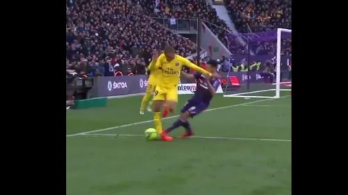 A cuatro días de la Champions, el PSG tiembla por pisotón a Mbappé