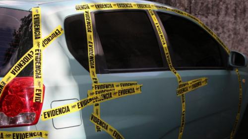 Localizan vehículos robados en un parqueo ubicado en Mixco