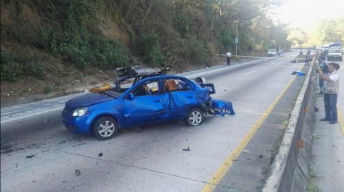 """Roban vehículo en El Salvador y lo usan como """"carro bomba"""""""