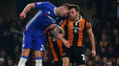 Jugador se retira del fútbol a los 26 años por un golpe en la cabeza