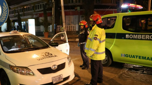 Asesinan a taxista frente a un centro comercial de la zona 10