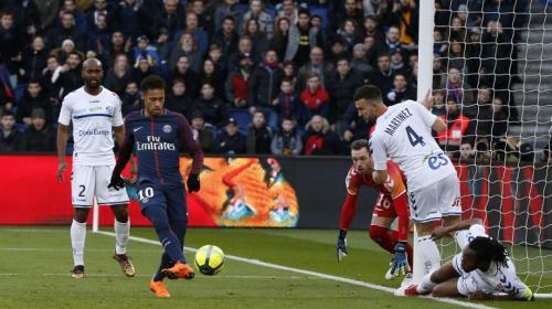 Noche mágica de Neymar: un gol espectacular y una jugada soberbia