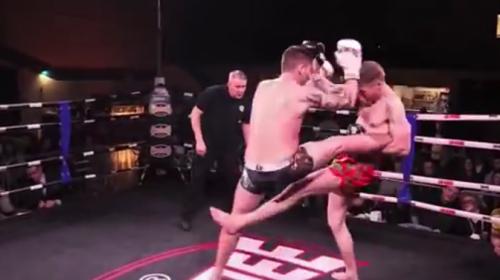 #VIDEO Noquea a su rival con imposible patada voladora