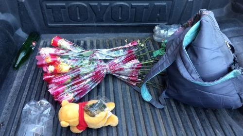 Hombre fingía vender rosas mientras distribuía bolsitas con marihuana