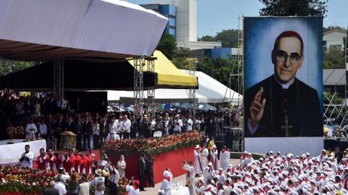 El Papa Francisco declarará santo a monseñor Óscar Romero