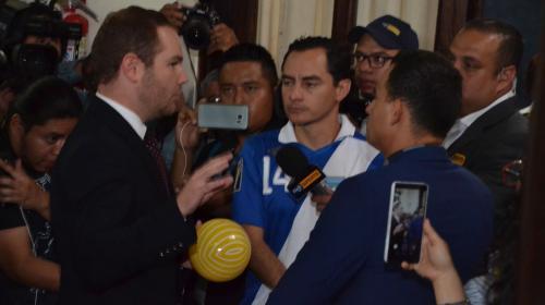 La inusual protesta de un grupo de futbolistas en el Congreso