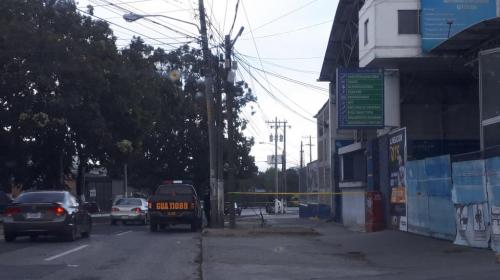 Macabro hallazgo en plena calle obligó a la PNC a cerrar el paso
