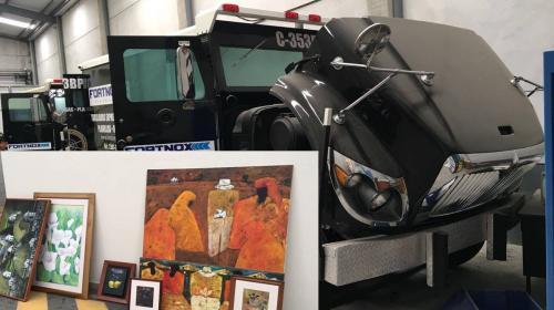 Blindados, motos y obras de arte: lo inmovilizado a Jonathan Chévez