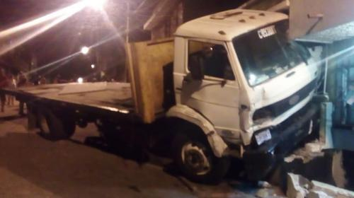 Video: piloto salta de camión en movimiento zona 18