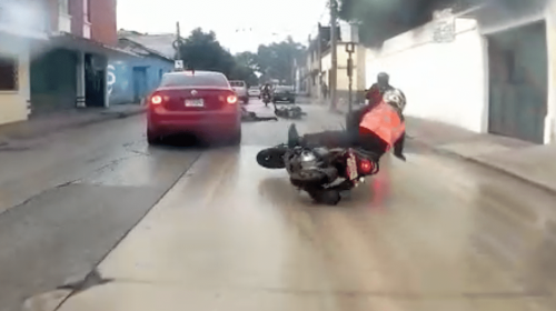 Video: motorista se salva de ser atropellado en zona 1