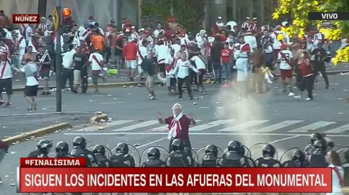 Videos: se suspendió la final y se reportan varios incidentes