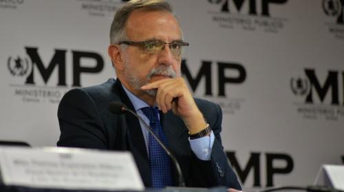 CC ordena a Jimmy Morales permitir ingreso a Iván Velásquez
