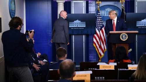 Los disparos que interrumpieron la conferencia de Donald Trump